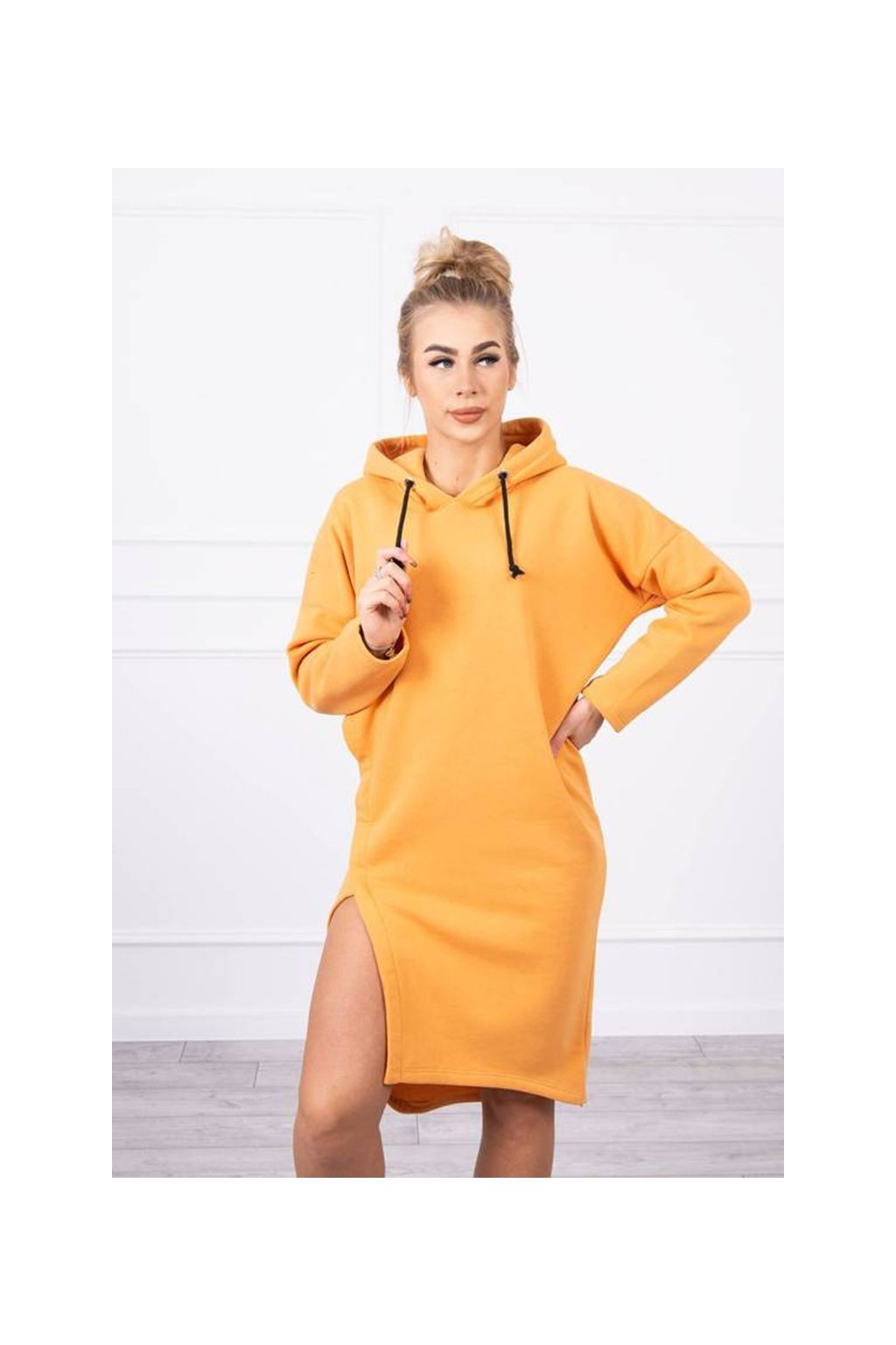 eng pm Dress with a hood and a slit on the side peach 18794 6