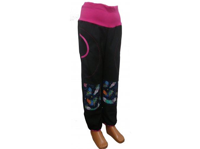 Softshelové kalhoty - černá - peříčka