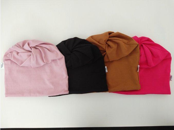 čepice s dírou- barva světle růžová