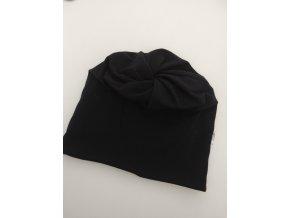 čepice s dírou- barva černá