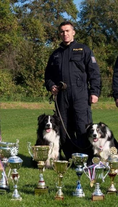policejni-psi-mistermixdog
