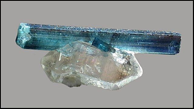 Modrý turmalín - Indigolit