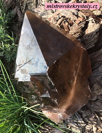 Prodej a články o krystalech záhnědy