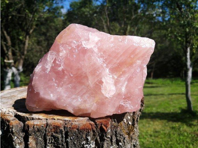 Růženín 1,65kg - přírodní surový kámen / Malawi