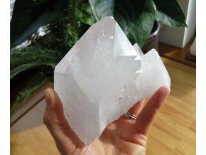 Přírodní surový krystal křišťálu / Brazílie