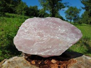 Růženín 4,3kg - přírodní surový kámen jemné růžovo fialové barvy / Malawi