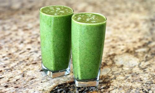 Tip na zelené banánové smoothie s rostlinným proteinem Pro Amino Spezial