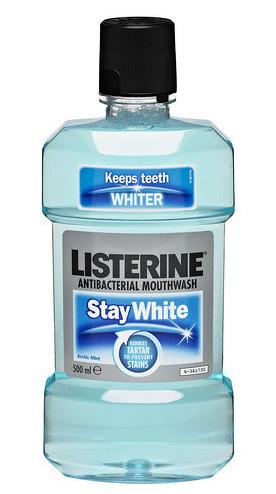 Listerine Ústní voda s bělícím účinkem Stay White 500 ml