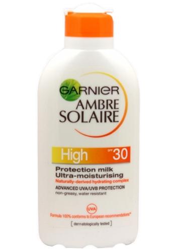 Garnier Opalovací mléko High SPF 30 Ambre Solaire 200 ml - Výprodej