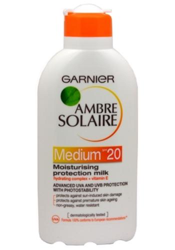 Garnier Opalovací mléko Medium SPF 20 Ambre Solaire 200 ml