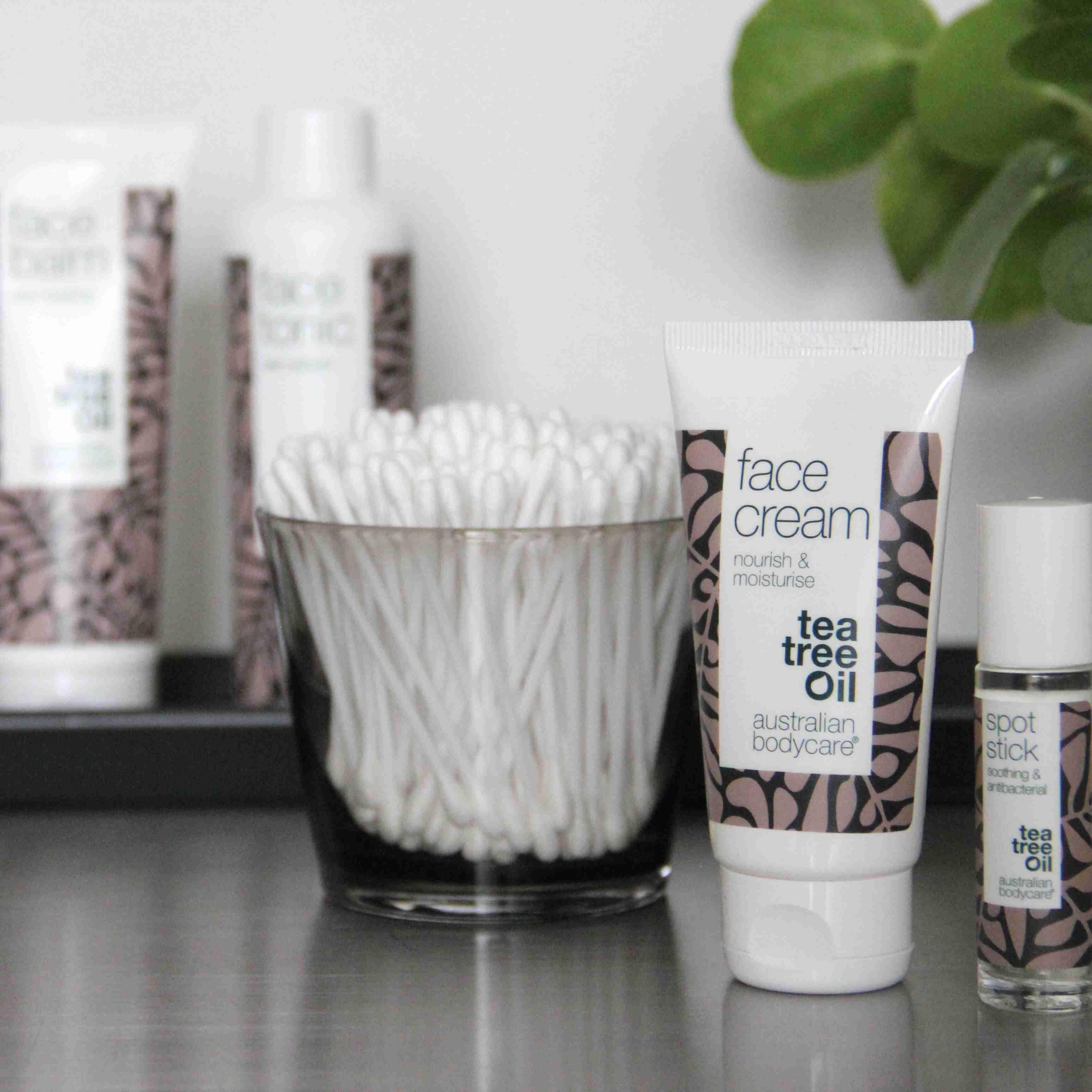 Australian Bodycare Krém na obličej s olejem Tea Tree 50 ml