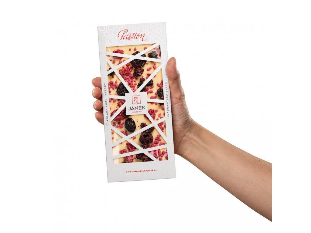 1107 2 tabulka bile cokolady passion s visni malinou ruzi cokoladovna janek jpg