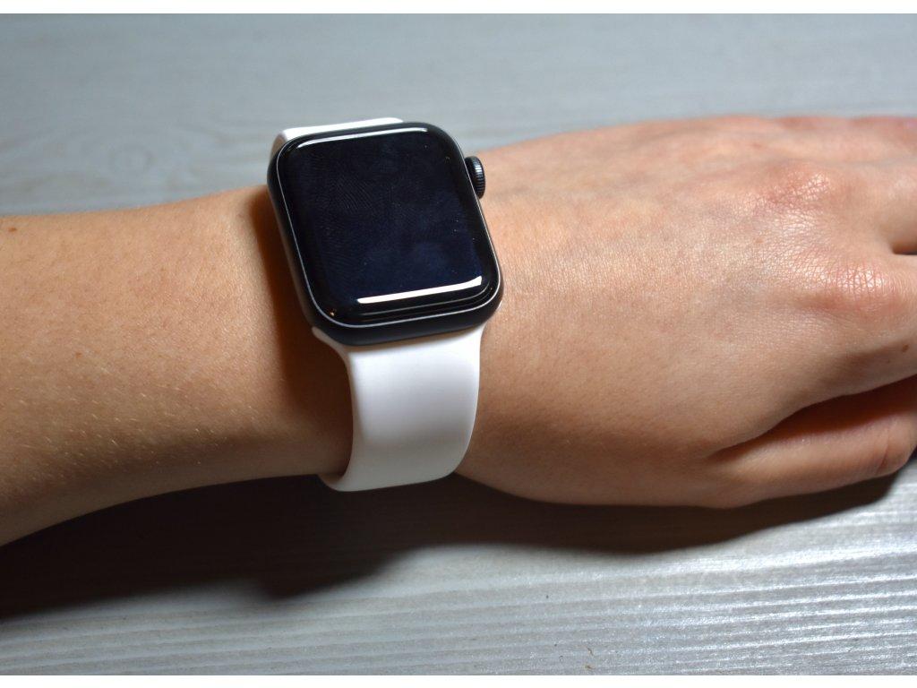 Bílý silikonový řemínek pro Apple Watch 42mm a 44mm