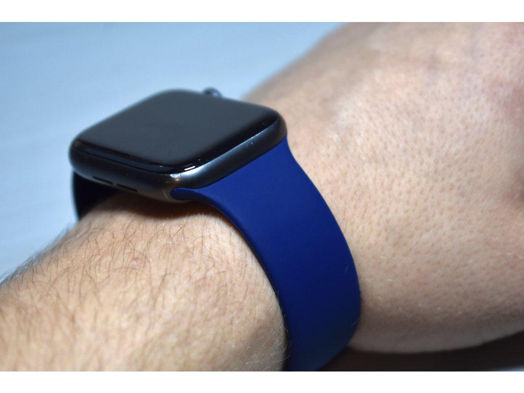 Tmavě modrý silikonový řemínek pro Apple Watch 42mm a 44mm