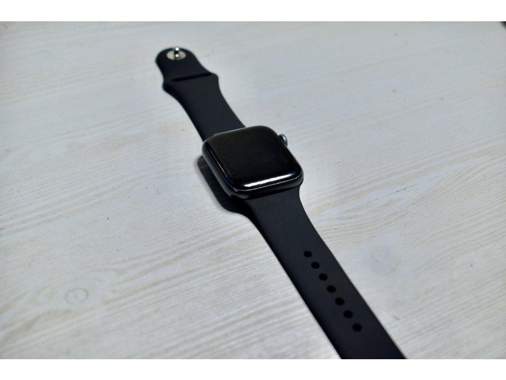 Černý silikonový řemínek pro Apple Watch