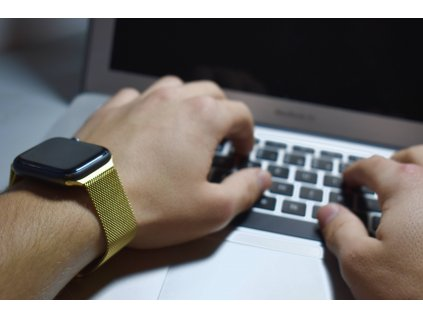 Zlatý milánský tah pro Apple Watch