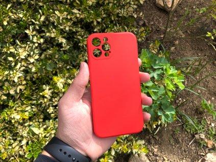 Červený silikonový obal na iPhone 12 Pro s ochranou čoček a výstelkou