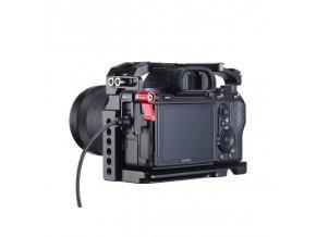Svorka UURig na HDMI kabely na kamerové klece 6