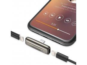 Zalomený adaptér pro iPhone se dvěma lightning konektory zároveň 1