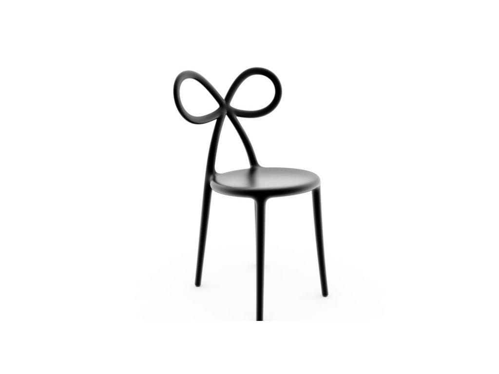 Židle Ribbon od QEEBOO jsou určené k využití v zahradě nebo na terase - zahradní obývací pokoj