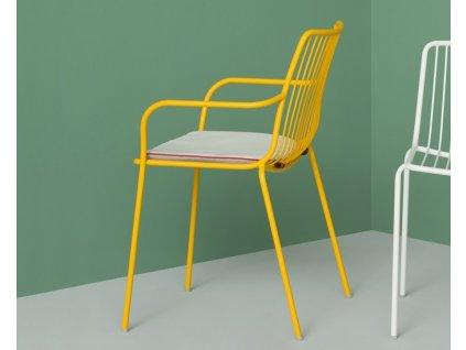Židle s vysokým opěradlem a područkami Nolita 3656 v barvě žluté