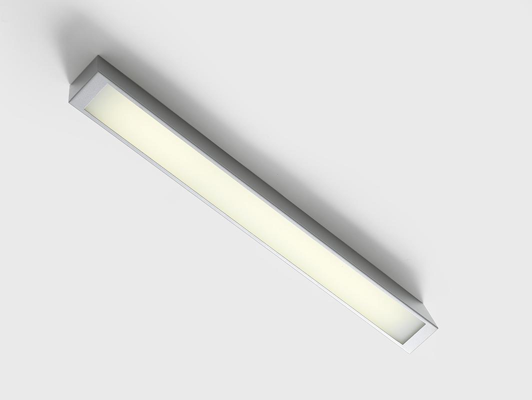 Stropní lampa LINE LED Z - stříbrná