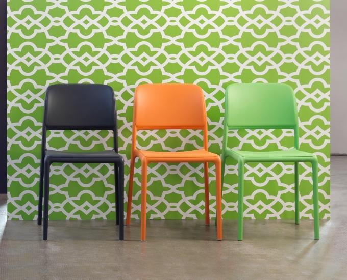 Židle NARDI RIVA: tmavošedý polypropylén