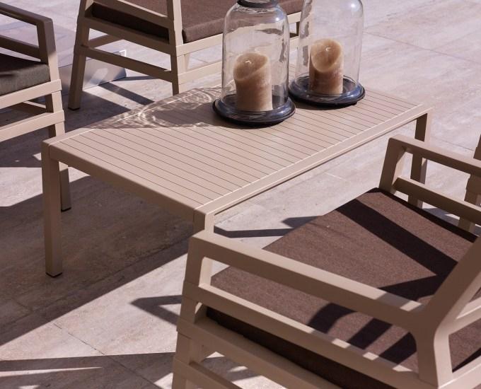 Obdélníkový stolek ARIA: červený polypropylén