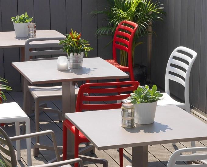 Židle COSTA: červený polypropylén