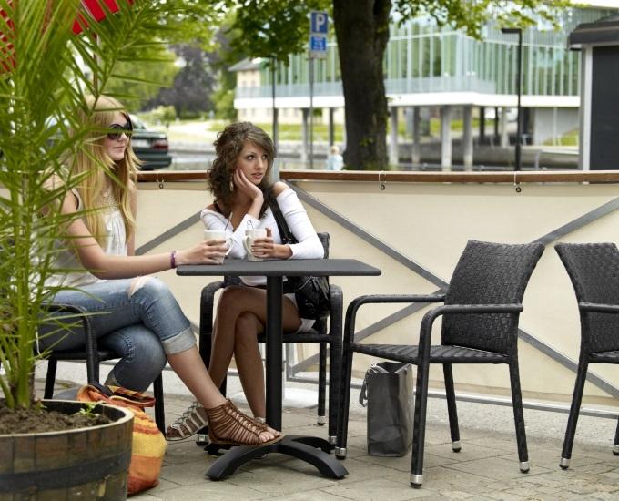 Židle do hotelu z umělého ratanu ROANNE