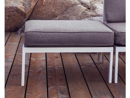 Bílý taburet hliníkový s polštářem