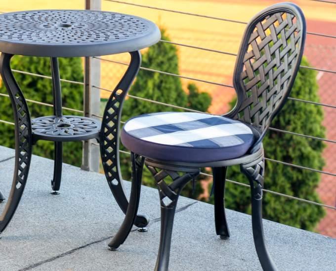 Kovové záhradné stoličky na balkón Manhattan: čierna hliníková