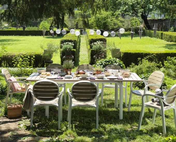 Sada rozkladací stôl Alloro stoličky Palma: biely rám, béžová doska