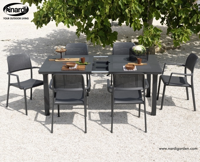 Sada rozkladací stôl Levante stoličky Bora: antracitový polypropylén