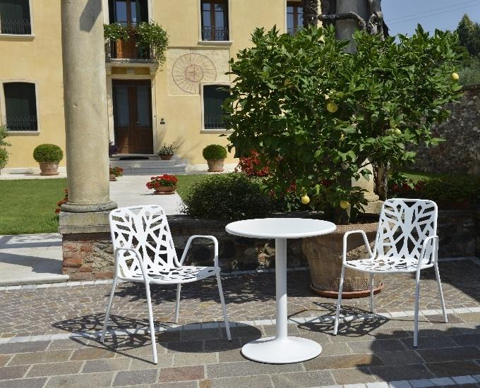 Kovové stoličky s opierkami Fancy Leaf: rd biela