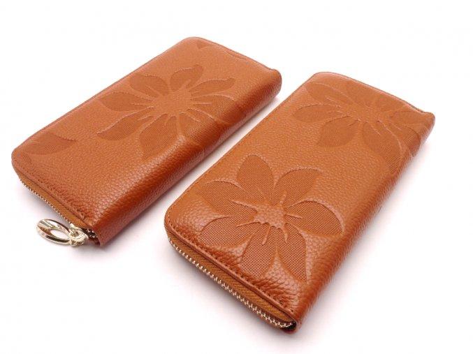Kožená peněženka s květinami MCPVKK-58 světle hnědá