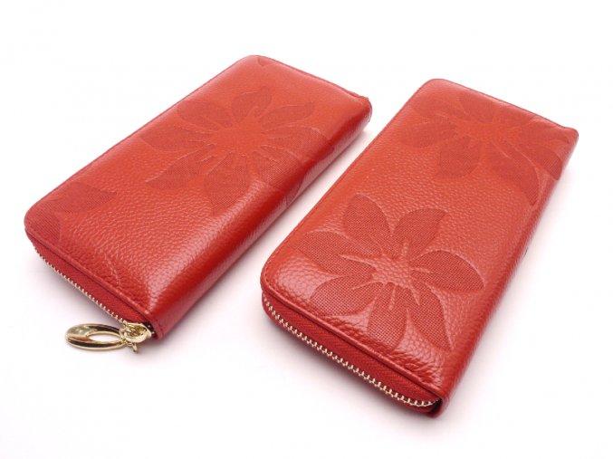 Kožená peněženka s květinami MCPVKK-95 červená