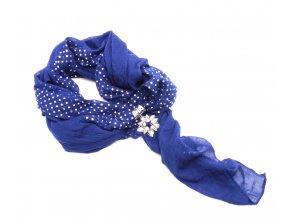 Šátek s ozdobou 1