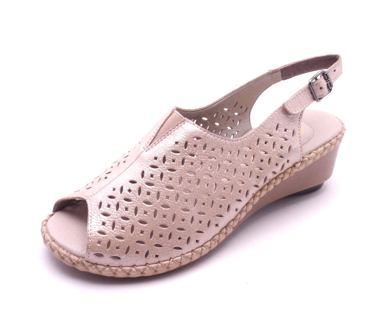 68e0419af529 Rieker Dámské elegantní sandály na klínku 66185-31 Velikost  41
