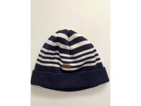 Pruhovaná čepice
