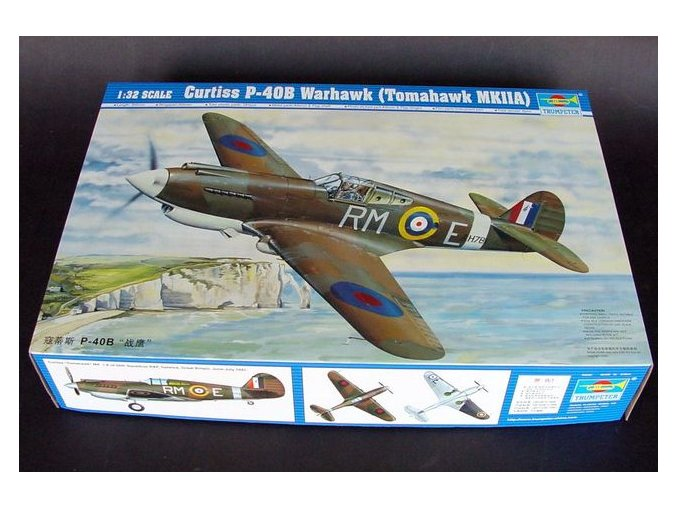 Trumpeter letadlo Curtiss P-40B Warhawk (Tomahawk MKIIA) 1:32 02228