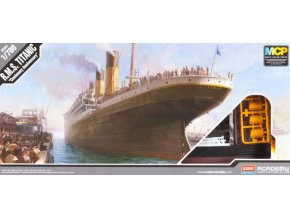 Academy loď R.M.S. TITANIC 1:700 MCP 14214