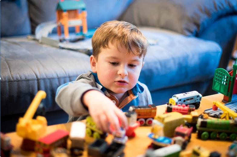 Jak vybrat dětskou kuchyňku a jiné hrací stolky? Zaměřte se na detaily!