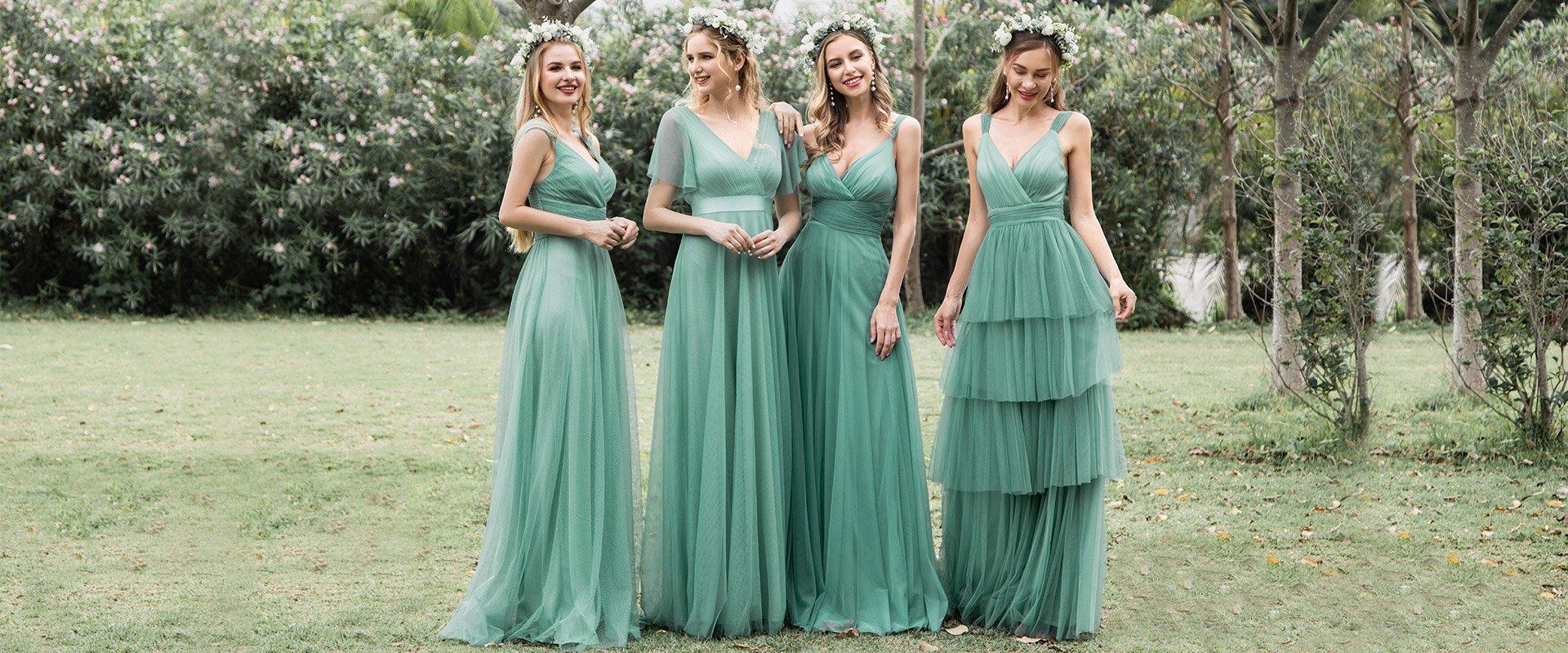 společenské šaty na svatbu i ples.