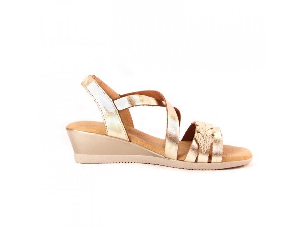 e260dcc2c0ec Luxusné celokožené sandálky CUMBIA zlaté - MojaKabelka.sk