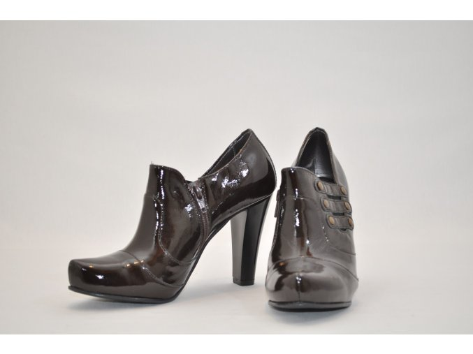 Členkové lakované topánky z kvalitnej kože