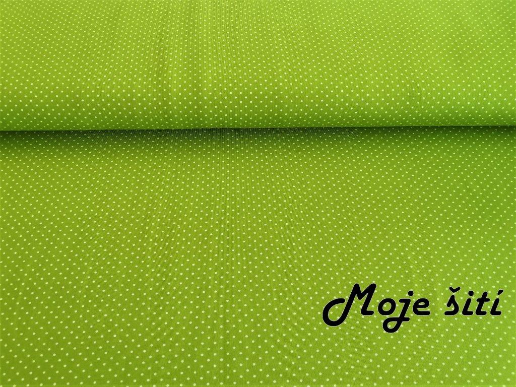 Puntíčky na trávově zelené
