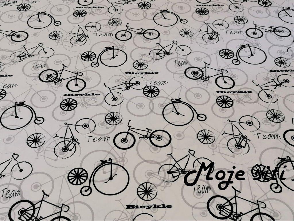 cerne bicykly na bile