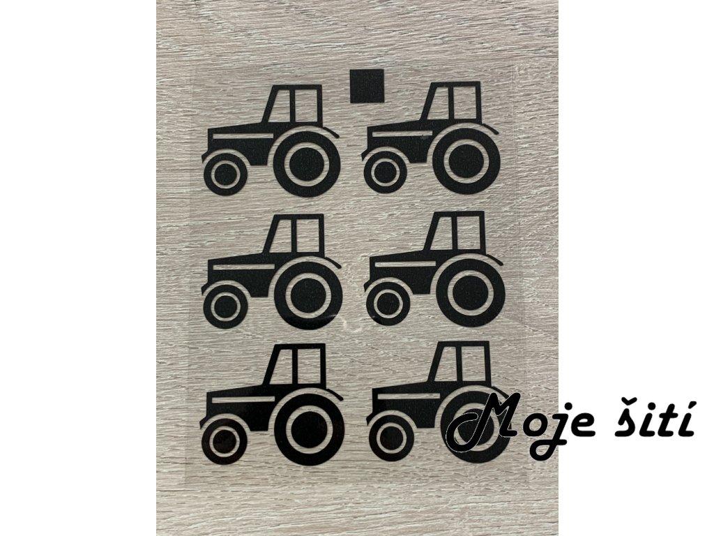 traktor cerny