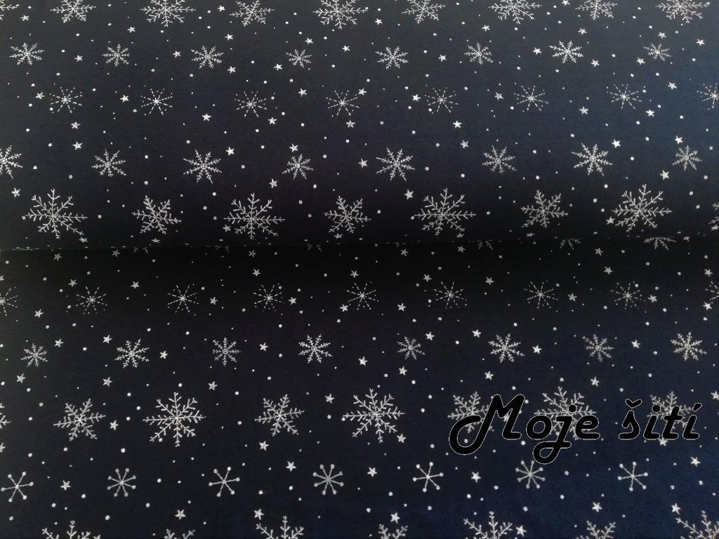 sněhové vločky na tmavě modré (2)